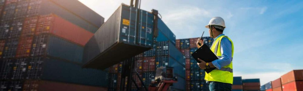 Gerlach services - A port operator controlling operation